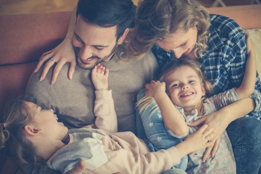 Avec des jumeaux ou des enfants rapprochés, difficile la parentalité positive