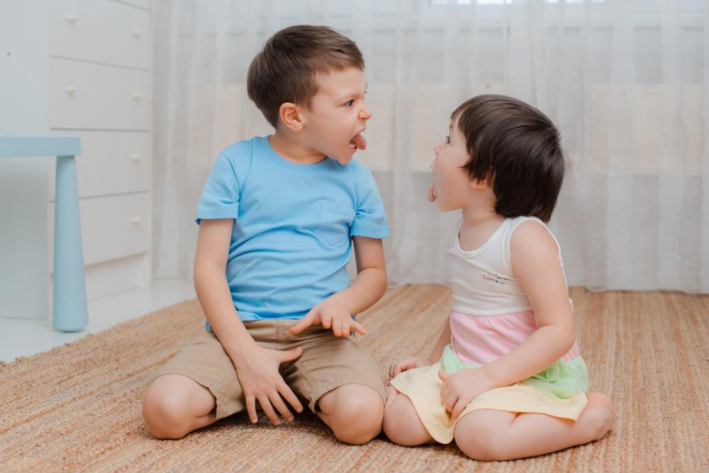 mes enfants veulent tout faire pareil
